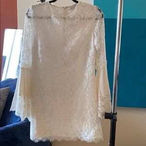 ALEXIS great condition lace bell sleeve dress